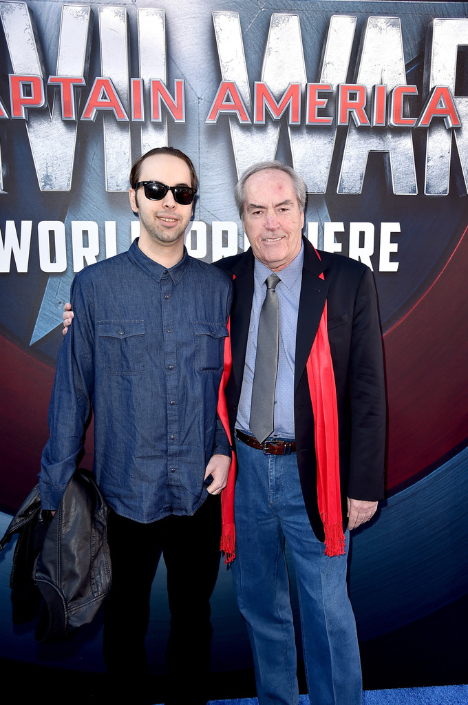 http://www2.pictures.zimbio.com/gi/Powers+Boothe+Premiere+Marvel+Captain+America+ECvdDod30m3x.jpg