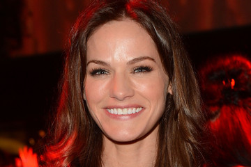 kelly overton 2016kelly overton 2016, kelly overton insta, kelly overton tekken gif, kelly overton, kelly overton instagram, kelly overton facebook, kelly overton beauty and the beast, келли овертон максим, kelly overton height, келли овертон фильмография