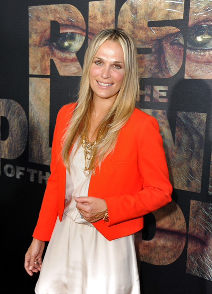"Actress Molly Sims arrives at the premiere of 20th Century Fox's ""Rise Of The Planet Of The Apes"" held at Grauman's Chinese Theatre on July 28, 2011 in Los Angeles, California."