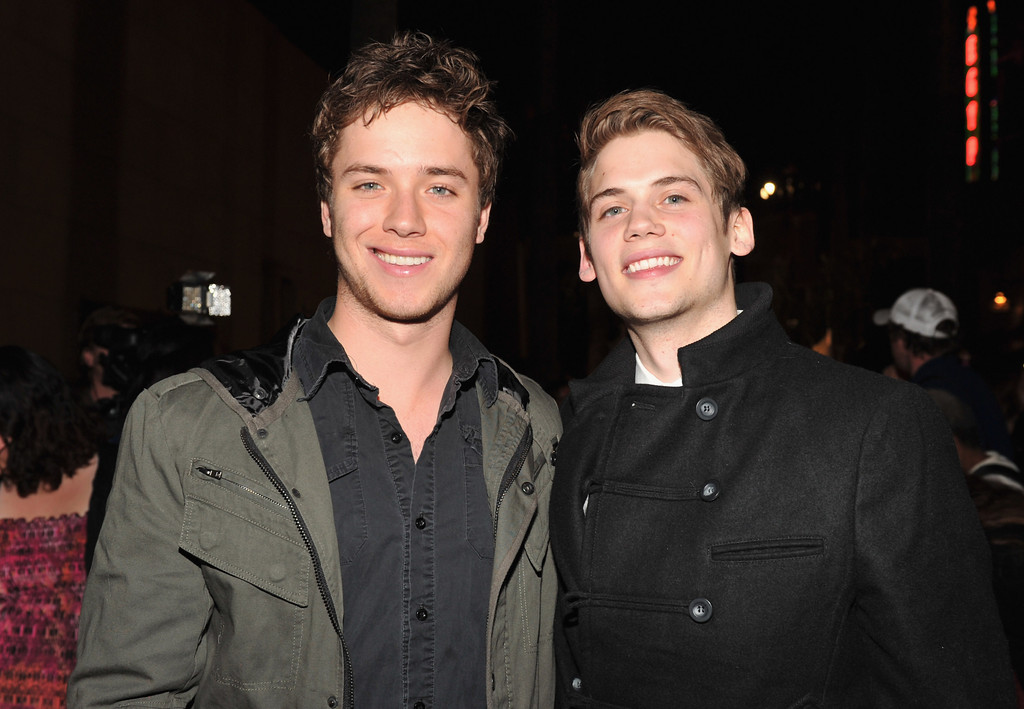 jeremy sumpter photos photos premiere of quotbeneath the