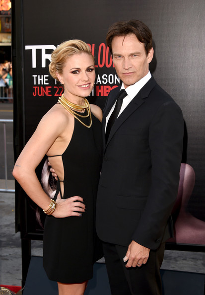 "Actors Anna Paquin (L) and Stephen Moyer attend the premiere of HBO's ""True Blood"" season 7 and final season at TCL Chinese Theatre on June 17, 2014 in Hollywood, California."