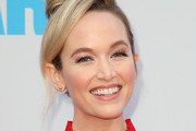 """Actress Kelley Jakle attends the premiere of Lionsgate and Pantelion Film's """"Overboard"""" at Regency Village Theatre on April 30, 2018 in Westwood, California."""