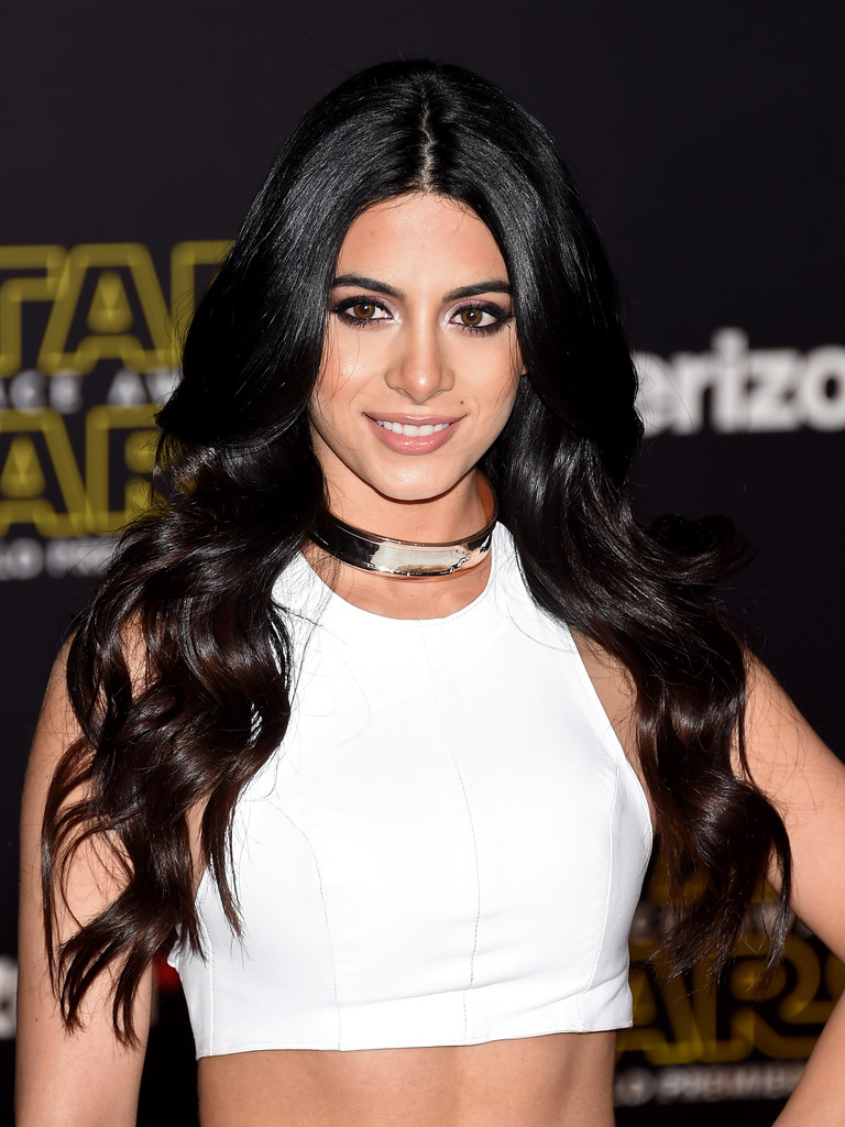 Emeraude Toubia Photos Photos Premiere Star Wars The Force Awakens Arrivals Zimbio