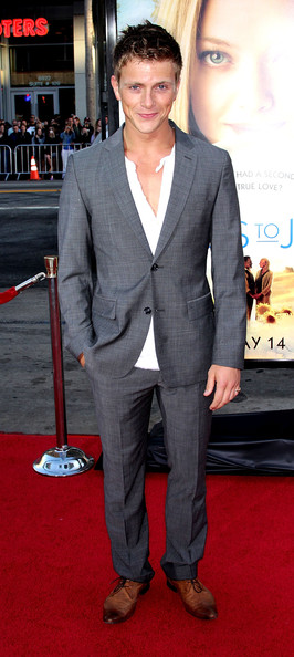 "Actor Charlie Bewley attends the ""Letters to Juliet"" film premiere at Grauman's Chinese Theatre on May 11, 2010 in Hollywood, California."