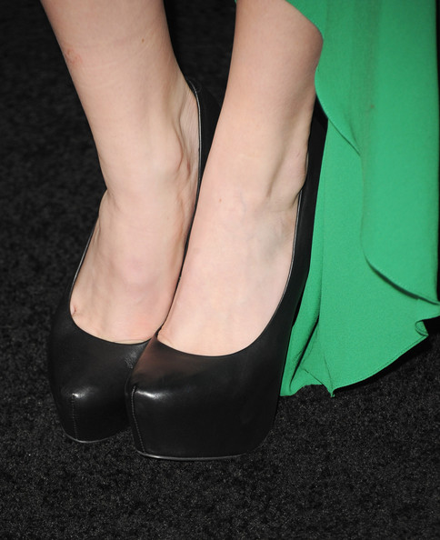 "Actress Bella Thorne (shoe detail) arrives at the premiere of Summit Entertainment's ""The Twilight Saga: Breaking Dawn - Part 2"" at Nokia Theatre L.A. Live on November 12, 2012 in Los Angeles, California."