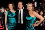 Sigourney Weaver and Jamie Lee Curtis Photos Photo