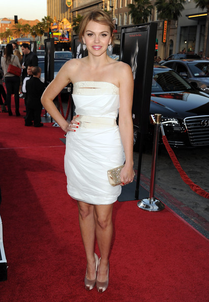"Actress Aimee Teegarden arrives at the premiere of The Weinstein Company's ""Scream 4"" held at Grauman's Chinese Theatre on April 11, 2011 in Hollywood, California."
