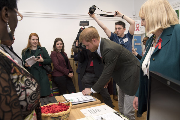 Prince+Harry+Visits+Leicester+BuGzGCklOGAl.jpg