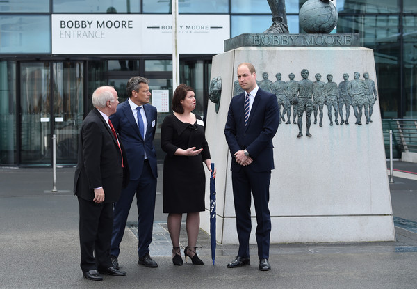 Prince+William+Prince+William+Attends+Lunch+iU2uH8Wbet-l.jpg