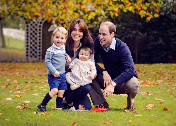 Royal Family Official Christmas Photo
