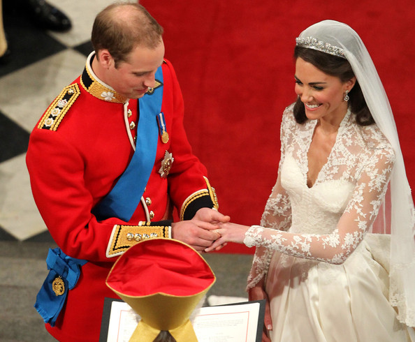 The 8 Differences Between the Two Royal Engagement