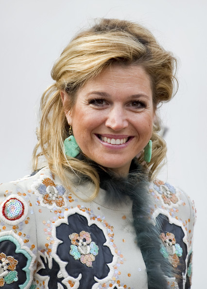 <b>Princess Maxima</b> Attends The Opening Of The Keukenhof In Lisse - Princess%2BMaxima%2BPrincess%2BMaxima%2BAttends%2BOpening%2BAI9xaSM96_Xl