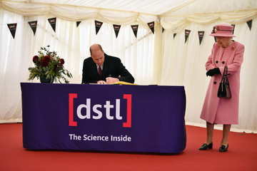 Queen Elizabeth II Prince William The Queen And Duke Of Cambridge Visit Dstl Porton Down