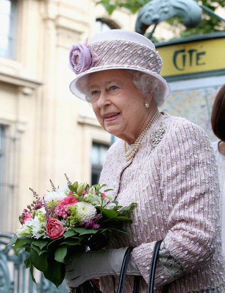 Queen Elizabeth II On Official Visit In Paris : Day Three