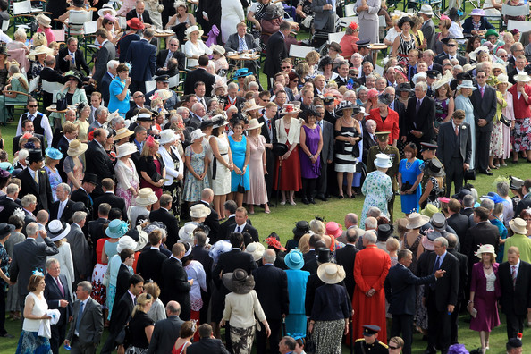 The Queen Hosts A Garden Party At Buckingham Palace Zimbio