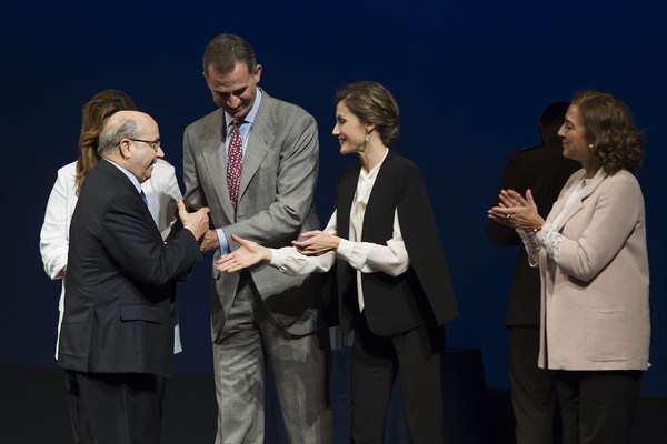 Spanish Royals Attend the Innovation and Design Awards 2015