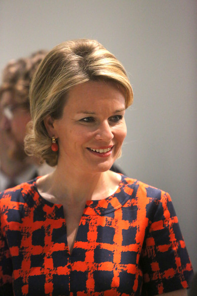 Queen Mathilde Visits the Louvre-Lens Museum [mathilde of belgium visits the exhibition : the europe of rubens,hair,hairstyle,chin,beauty,blond,lady,lip,neck,ear,smile,queen,mathilde of belgium,louvre-lens museum,europe of rubens,lens,france,exhibition]