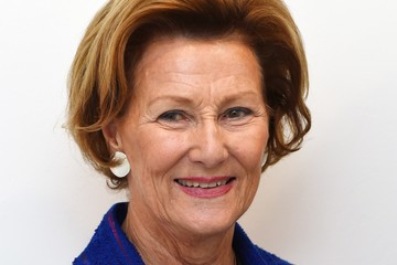 Queen Sonja Queen Sonja of Norway & Magne Furuhomen's 'Texture' Exhibition