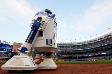 R2-d2 Cleveland Indians v New York Yankees