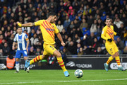 Luis Suarez of FC Barcelona scores his team's first goal during the La Liga match between RCD Espanyol and FC Barcelona at RCDE Stadium on January 04, 2020 in Barcelona, Spain.