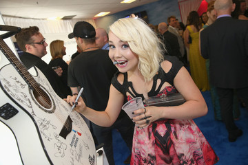 RaeLynn 2015 CMT Music Awards - American Airlines Suite