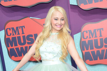 RaeLynn Arrivals at the CMT Music Awards