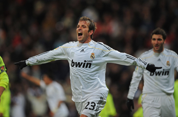 Rafael Van Der Vaart Photos»Photostream · Main · Articles · Pictures · Real  Madrid v Real Zaragoza - La Liga ef9844250392c