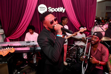 Raheem DeVaughn Late Night Jam Session: Spotify House Of Are & Be Jam Session With Raphael Saadiq