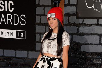 Rebecca Marie Gomez Arrivals at the MTV Video Music Awards — Part 4
