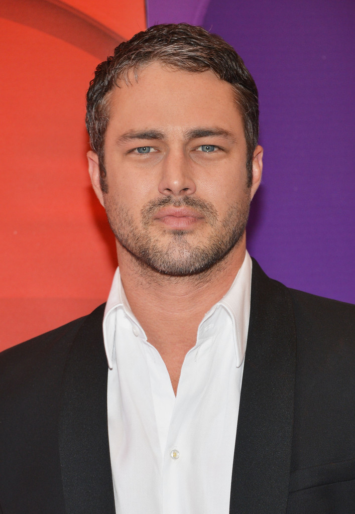 Taylor Kinney Photos Photos Red Carpet At The Nbc