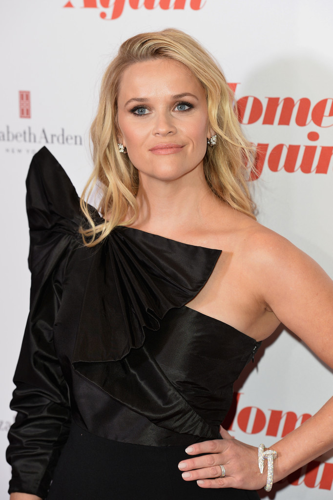 http://www2.pictures.zimbio.com/gi/Reese+Witherspoon+Home+Again+Special+Screening+MOvAcQSAg4dx.jpg