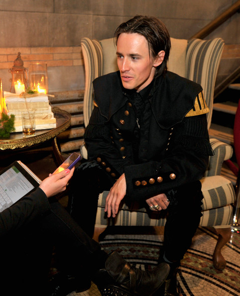 reeve carney photos photos penny dreadful premieres in
