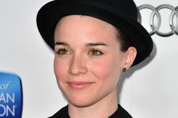 Renée Felice Smith Red Carpet Arrivals at the Hall Of Fame Induction Gala