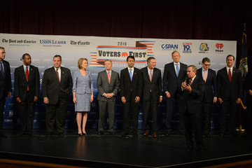 Rick Perry Bobby Jindal GOP Candidates Square Off at Voters First Forum in New Hampshire