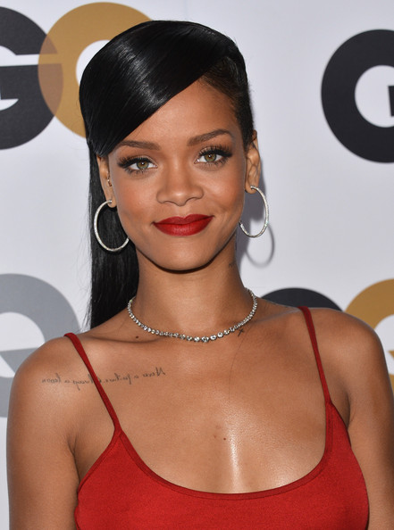 http://www2.pictures.zimbio.com/gi/Rihanna+GQ+Men+Year+Party+Arrivals+gXe08xP3mSil.jpg