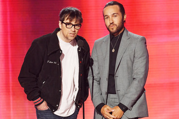 Rivers Cuomo 2019 American Music Awards - Fixed Show