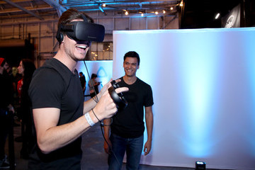 Robbie Amell Alienware Hosts Virtual Reality and Gaming VIP Party During E3, Powered by NVIDIA and Intel