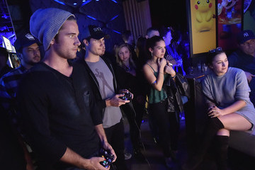 Robbie Amell Nintendo Super Smash Bros Celebrity Fight Club
