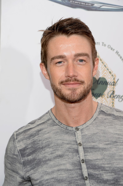 robert buckley interview
