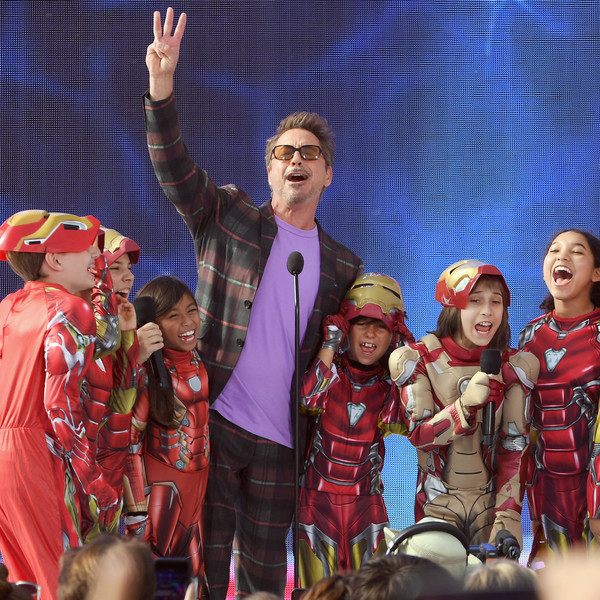http://www2.pictures.zimbio.com/gi/Robert+Downey+Jr+FOX+Teen+Choice+Awards+2019+JOXAQbHbNqzl.jpg