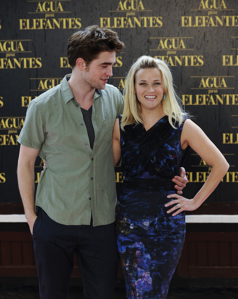 Robert Pattinson and Reese Witherspoon attend the 'Water for Elephants' photocall on May 2, 2011 in Barcelona, Spain.