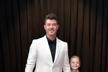Robin Thicke 61st Annual Grammy Awards - Red Carpet