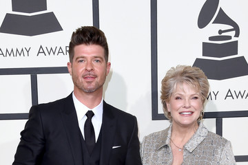 Robin Thicke The 58th GRAMMY Awards - Arrivals