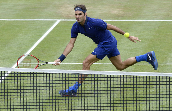 Roger Federer looks to get his grass season up and running in Halle