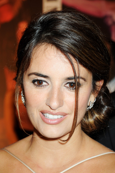 Penelope Cruz Hair, Long Hairstyle 2011, Hairstyle 2011, New Long Hairstyle 2011, Celebrity Long Hairstyles 2424
