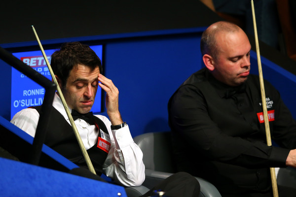 Ronnie O'Sullivan and Stuart Bingham Photos - 1 of 24