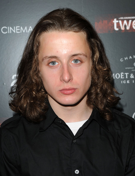The 27-year old son of father Kit Culkin and mother Patricia Brentrup, 168 cm tall Rory Culkin in 2017 photo