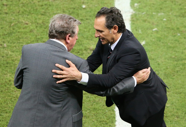 England v Italy: Group D - 2014 FIFA World Cup Brazil [gesture,interaction,event,suit,formal wear,grass,handshake,businessperson,tuxedo,lawn,roy hodgson,cesare prandelli,hands,brazil,italy,arena amazonia,england,italy: group d,l,2014 fifa world cup]