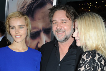 Russel Crowe Isable Lucas Premiere Of Warner Bros. Pictures' 'The Water Diviner' - Red Carpet