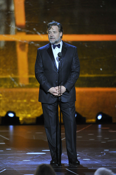 c6920bb8f Russell Crowe Photos Photos - 2016 Breakthrough Prize Ceremony ...